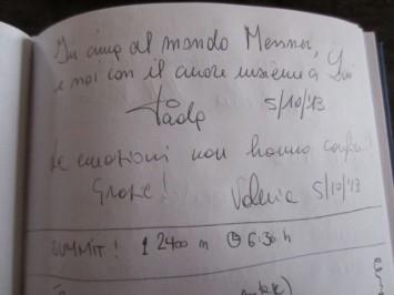 Figura 19 - Notas escritas en un libro de visitantes del MMM